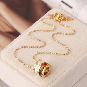 Michael Kors Resin Circle Golden Necklace
